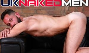 Good paid xxx site with British gay males